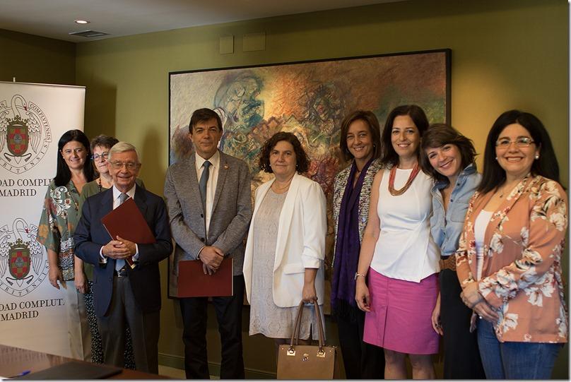 En la foto_ el rector y autoridades de la UCM, con el presidente y la secretaria general adjunta de la AIBG